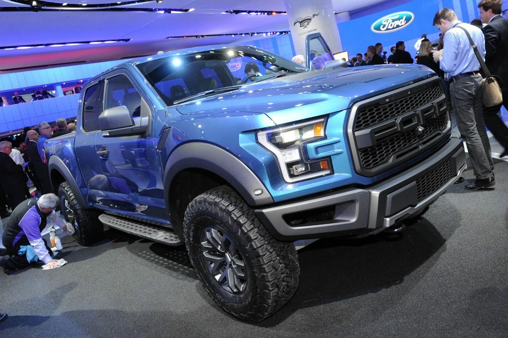 Detroit Motor Show 2015: Sport-Pickup Ford F150 Raptor