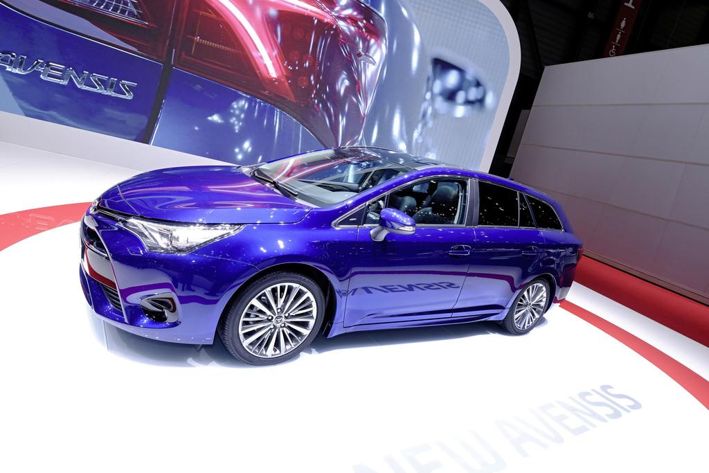 Toyota Avensis Kombi Facelift 2015 auf Autosalon 2015 in Genf