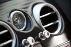 Bentley Fyling Spur, Uhr