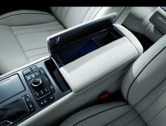 Hyundai Genesis 3.8 V6 GDI Mittelkonsole