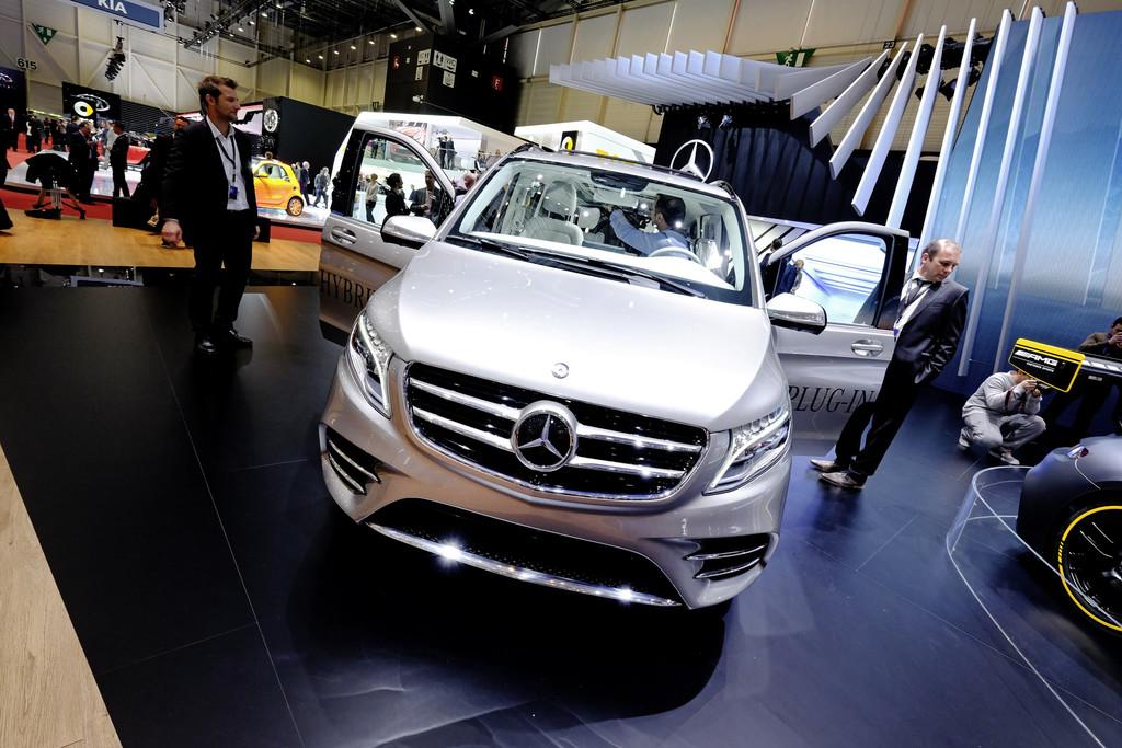 Mercedes-Benz V-Klasse Concept V-ision e, Front