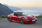 Porsche 911 Targa 4 GTS in Rot