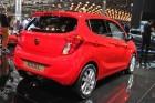 Roter Opel Karl in der Rückansicht