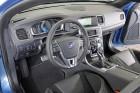 Volvo V60 Plug-in Hybrid R-Design Cockpit