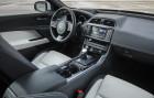 Jaguar XE R-Sport Cockpit