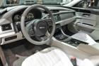 Jaguar XF 2015 Cockpit