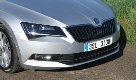 Skoda Superb 2.0 TDI Style, Kühlergrill