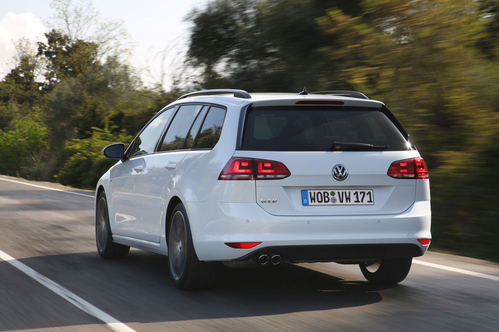 volkswagen golf variant gtd und alltrack 2015 neuvorstellung mit fotos. Black Bedroom Furniture Sets. Home Design Ideas
