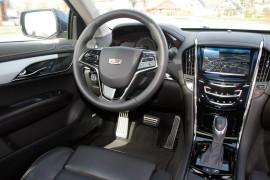Cadillac ATS Coupé AWD, Cockpit