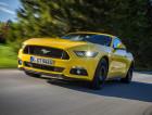 Ford Mustang gelb Fahraufnahme