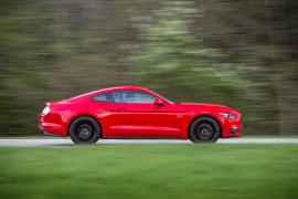 Ford Mustang rot Seitenansicht
