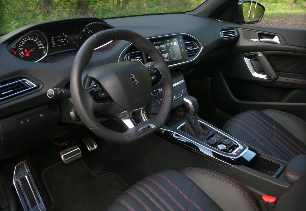 galerie: peugeot 308 gt sw cockpit | bilder und fotos