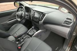 Mitsubishi L200 2015 Armaturenbrett