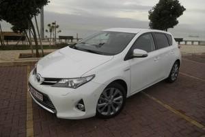Toyota Auris weiss