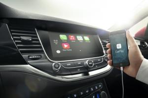 2015 Opel Astra K, Monitor