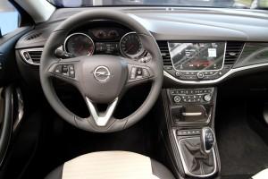 Opel Astra K, Mittelkonsole