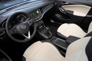 Opel Astra K, Vordersitze