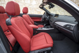 BMW 220i Cabrio, Vordersitze