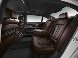 BMW 730d G11, Fond