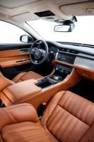 Jaguar XF, Vordersitze, Vollleder