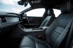 Jaguar XF, Vordersitze in Leder