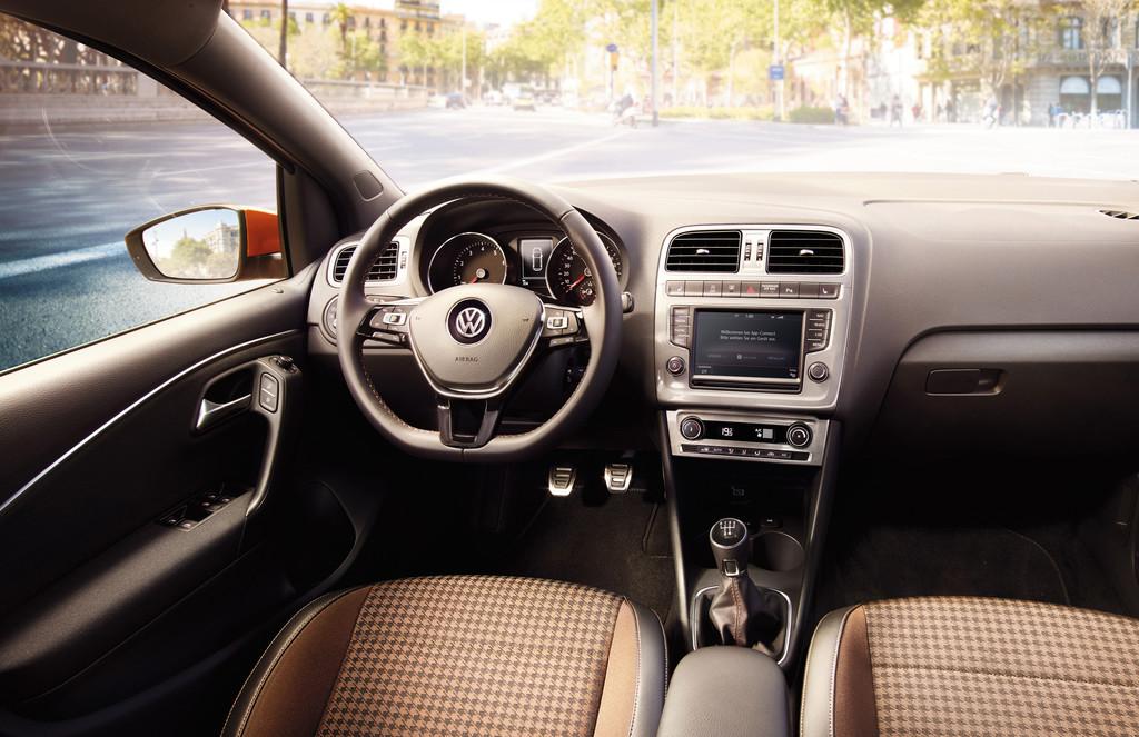 Galerie: Volkswagen Polo Original, Interieur | Bilder und Fotos