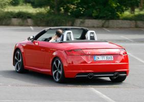 Audi TT Roadster, Fahraufnahme, Rückansicht