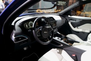 Jaguar F-Pace, Innenraum