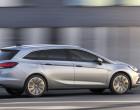Opel Astra Sports Tourer, Fahraufnahme, Seitenansicht