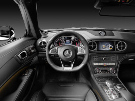 2016 Mercedes-Benz SL, Cockpit
