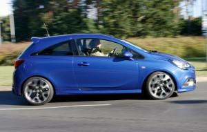 Fahraufnahme Opel Corsa OPC, Seitenansicht
