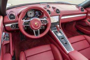 Porsche 718 Boxster, Cockpit