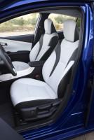 Toyota Prius vierte Generation, Vordersitze